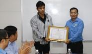 Soái ca nhảy sông cứu người nhận bằng khen của LĐLĐ Quảng Nam