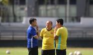 Vì sao đội tuyển Việt Nam lại đội nắng tập luyện 2 ngày liên tiếp?