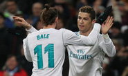 Hat-trick Ronaldo đưa Real Madrid trở lại đường đua