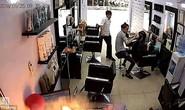 iPhone phát nổ như bom tại hiệu làm tóc giữa Hà Nội