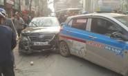 Xe Camry điên tông hàng loạt xe máy, ô tô khiến nhiều người bị thương