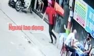 [VIDEO] Du khách nước ngoài bị cướp ở phố tây Bùi Viện