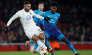 Thua trận sân nhà, Arsenal may mắn đi tiếp ở Europa League