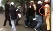 Clip nhóm thanh niên đánh võng, vu vạ CSGT đánh người