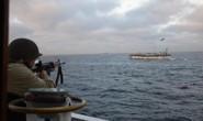 Vì sao phải dùng súng máy với tàu cá Trung Quốc?