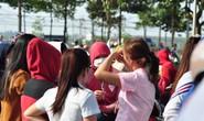Vụ hàng ngàn công nhân bị xù Tết: Vạ vật trong nắng nóng chờ xử lý