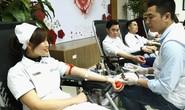 300 nhân viên y tế, bác sĩ xếp hàng hiến máu cứu người bệnh