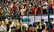 Khán giả Bình Phước chen kín sân xem sao U23 của HAGL chơi bóng