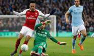Arsenal: Nợ nần chồng chất với Man City