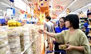Giò chả, bánh kẹo và đồ trang trí Tết tại Co.opmart giảm giá mạnh