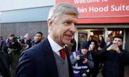 HLV Wenger cương quyết không rời Arsenal