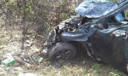 Đi đám cưới, xe ô tô mất lái khiến 5 người thương vong