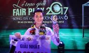 Nhận cúp Fair Play, Văn Toàn tặng hết tiền thưởng cho người hạng 3