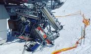 Cáp treo trượt tuyết nổi điên, hất văng hàng chục người