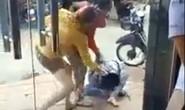 Truy tìm tung tích 2 phụ nữ đánh người dã man trên phố
