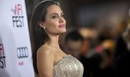 Angelina Jolie có tình mới sau ly hôn