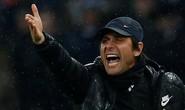 Chelsea chơi tệ, Conte quay sang mắng Neville, Redknapp