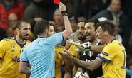 Nhận thẻ đỏ phút 90+4, Buffon gọi trọng tài là cầm thú