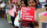 """Ấn Độ: Cha """"tặng"""" con gái cho bạn già cưỡng hiếp tập thể"""