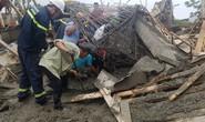 Cửa hàng xăng dầu sập đổ, nhiều người bị thương