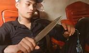 Sau khi đăng hình cầm dao trên Facebook, đâm bạn gái cũ tử vong