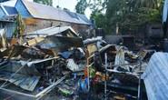Dân tháo chạy trong đêm, bất lực nhìn 3 căn nhà cháy ra tro