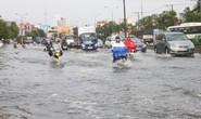 TP HCM: Chống ngập quá lỗi thời, dân còn bơi dài dài