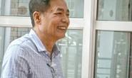 Ông Trần Mạnh Hùng tươi cười đến cuộc họp VPF