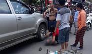 Tài xế xe bán tải chặn xe, cãi nhau với vợ rồi lùi xe cán chết người