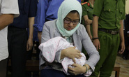 Trợ thủ đắc lực của bà Hứa Thị Phấn mang con sơ sinh đến tòa