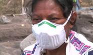 Guatemala: Một mình tìm 50 người thân bị núi lửa chôn vùi