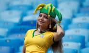 Nữ CĐV Brazil đến đâu, lửa cháy đến đó