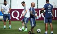 Mong Messi chân cứng đá mềm