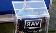Công nghệ VAR: Cái mới luôn gây tranh cãi
