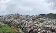 """Dân ở 2 xã đồng loạt """"kêu cứu"""" vì bãi rác gây ô nhiễm kinh khủng"""