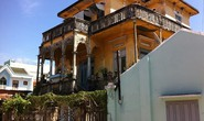 Đại gia mù lấy 3 vợ, xây biệt thự to nhất phố biển Phan Thiết