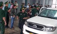 52 bánh heroin, 25 kg ma túy đá cưỡi xe bán tải biển Lào về Việt Nam
