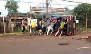 Xe bán tải gây tai nạn liên hoàn, 2 người tử vong