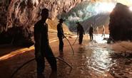 Thái Lan: Trời mưa lớn sau thông báo về khe cửa cứu đội bóng nhí