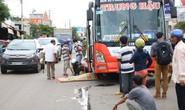 Bị xe khách kéo lê 10 m, người đàn ông tử vong tại chỗ