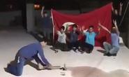 Thổ Nhĩ Kỳ: Người dân đập nát iPhone phản đối Mỹ