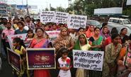 Ấn Độ: Tử hình 2 kẻ cưỡng hiếp bé gái 7 tuổi