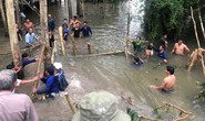 Hơn 10 giờ vật lộn ngăn nước lũ kinh Vĩnh Tế để cứu lúa