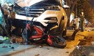 Tránh học sinh, ô tô tông 2 người chết, 4 người bị thương