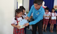 Học bổng Nguyễn Đức Cảnh: Động viên con đoàn viên khó khăn đến trường
