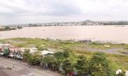 Vết dầu loang trên sông Đồng Nai