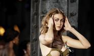 Siêu mẫu Gigi và Bella Hadid đẹp lạ với nội y Rihanna