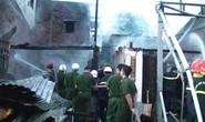 Bà hỏa thiêu rụi nhiều nhà dân lúc rạng sáng 2-9