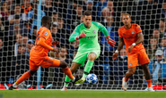 Man City sụp đổ sân nhà, Real đại thắng trước AS Roma