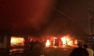 Hỏa hoạn thiêu rụi hàng loạt ki-ốt trong đêm